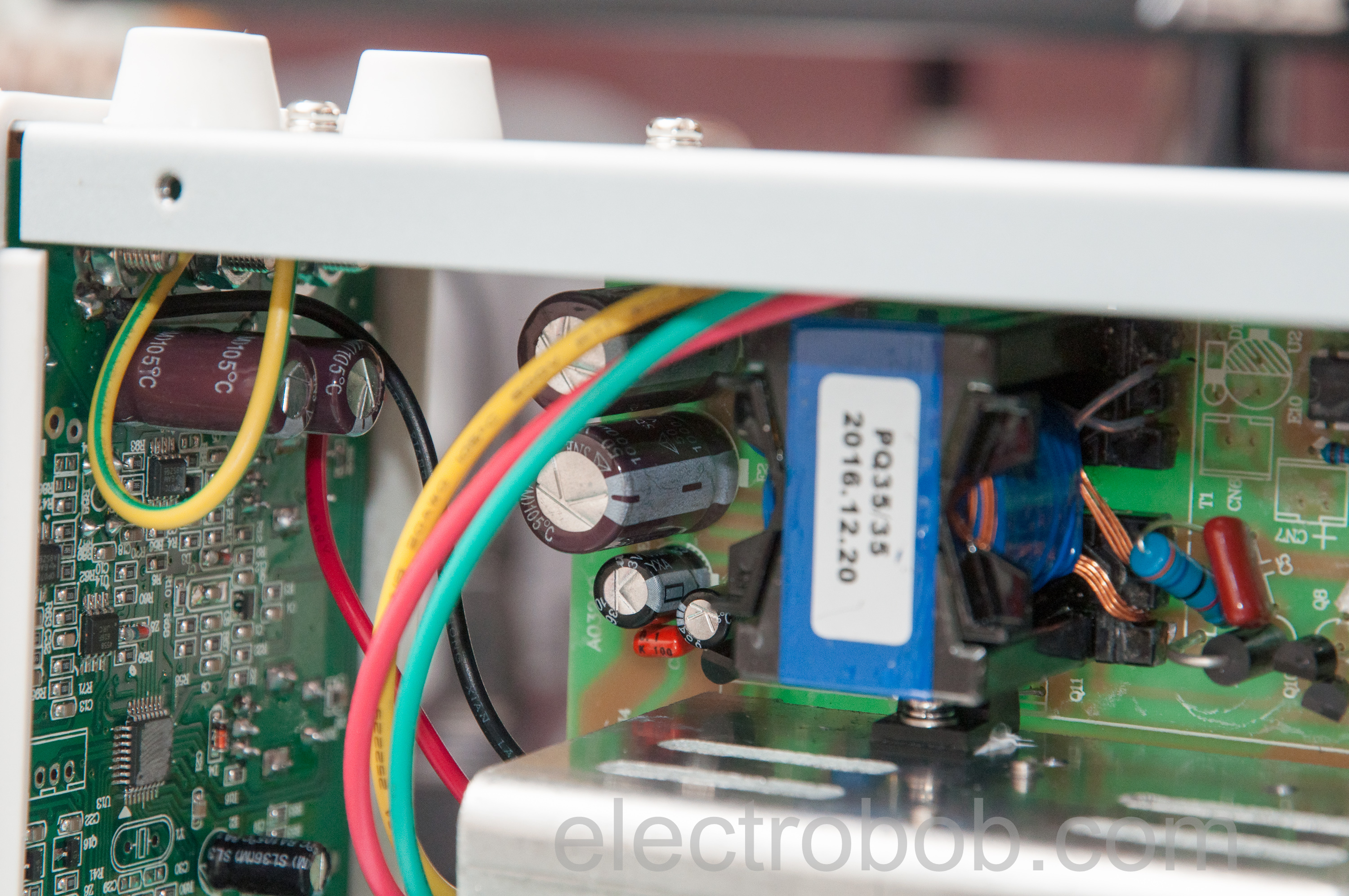 Peaktech 6225a Review Electro Bob Electronic Lamp Switch Including Time Delay Option Eeweb Community Looking At The Board From Behind We Can See Some Clear Demarcation Of High And Low Voltage Regions Which Appear To Be Safely Separated